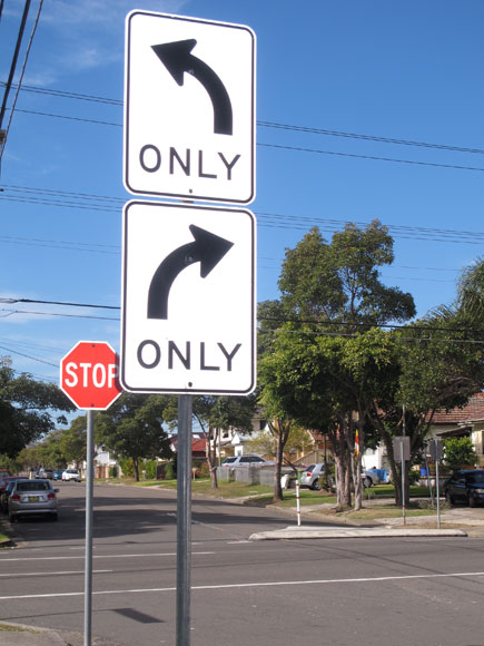 canley-vale-wrong-way-right-way-sign-usg.jpg