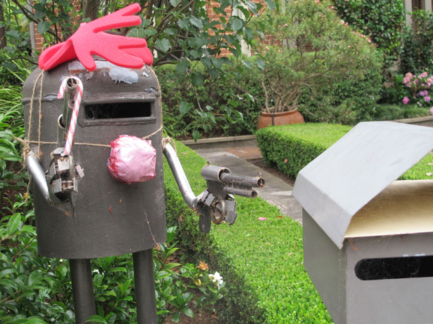 darling-point-gun-mailbox-um.jpg