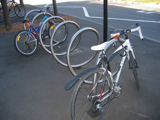 darlington-cycle-parking-2-e.jpg