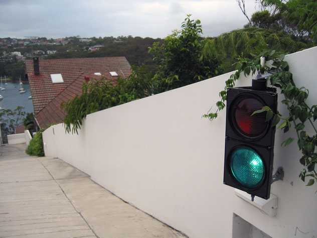 fairlight-house-traffic-lights-1-uv.jpg