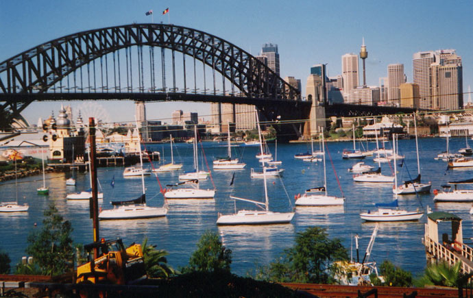 lavender-bay-boats-sydney-harbour-bridge-n.jpg