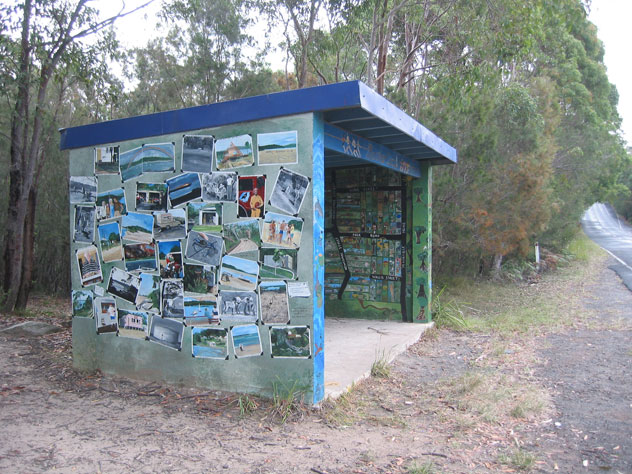 maianbar-painting-bus-shed-2-up.jpg