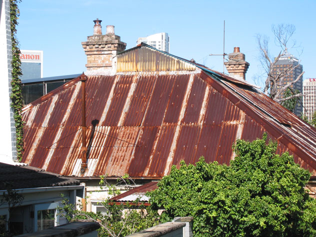 neutral-bay-house-roof-rusted-uh.jpg