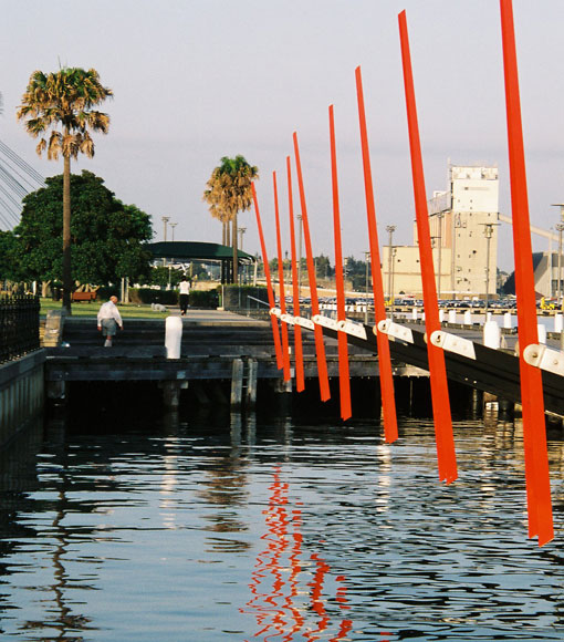 pyrmont-boat-thingy-e.jpg