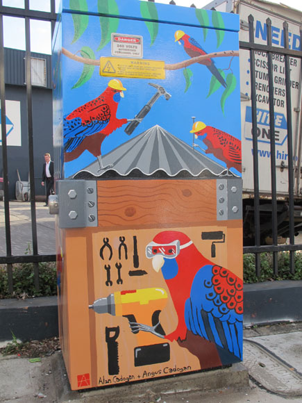 rozelle-painting-signal-box-cockatoo-workers-up.jpg