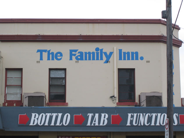 rydalmere-sign-family-inn-1-usg.jpg