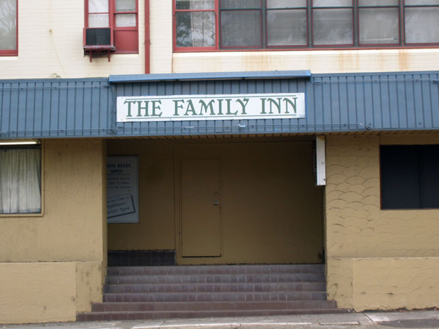 rydalmere-sign-family-inn-2-usg.jpg