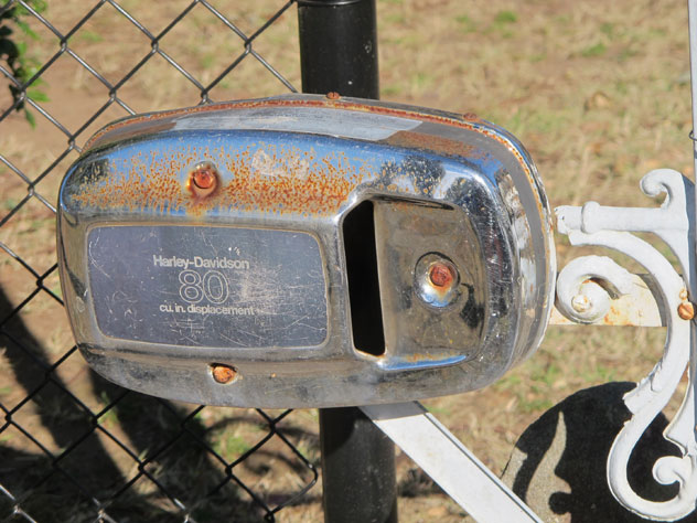 willmot-motor-cycle-mailbox-um.jpg