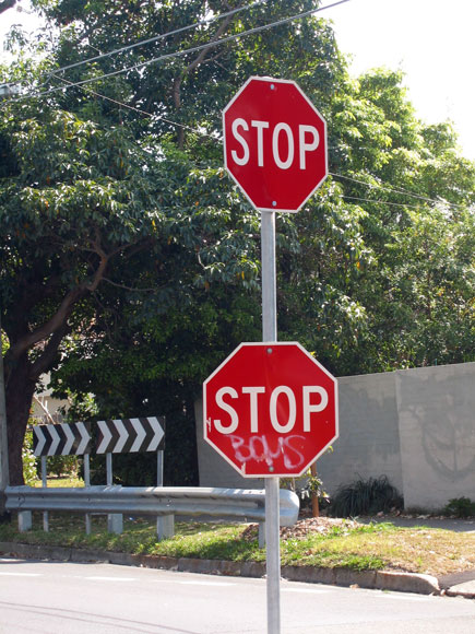 castlecrag-sign-stop-multiple-usg.jpg