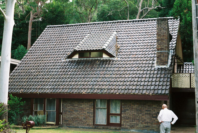 woronora-house-roof-large-uh.jpg