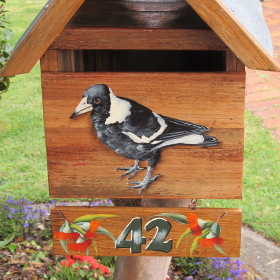 bardwell-park-bird-on-mailbox-up.jpg