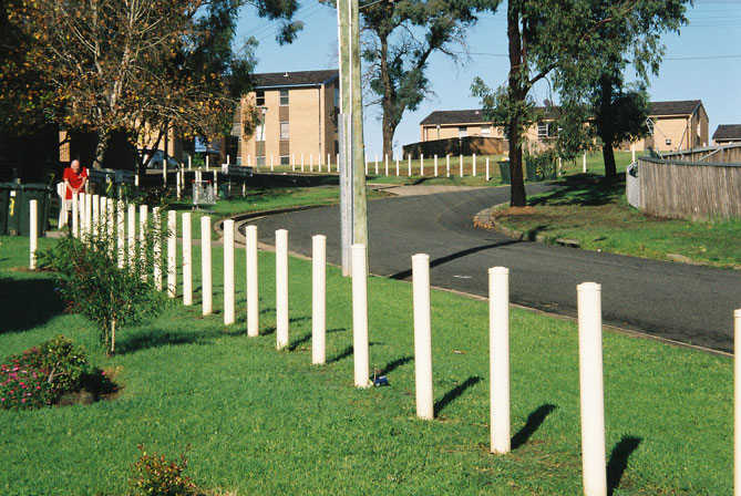 miller-fence-poles-dominoes-uf.jpg