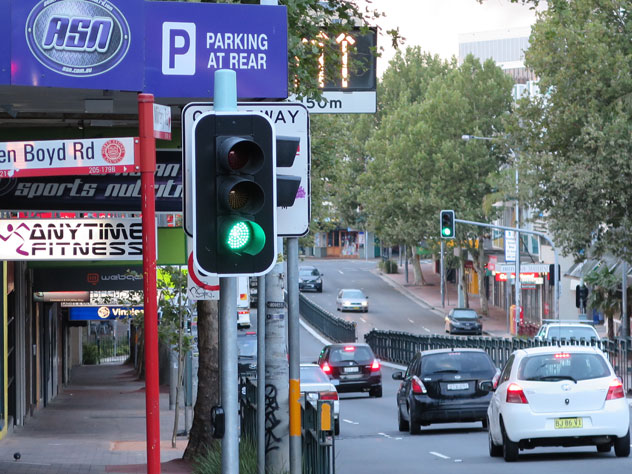 neutral-bay-traffic-lights-sign-1-usg.jpg